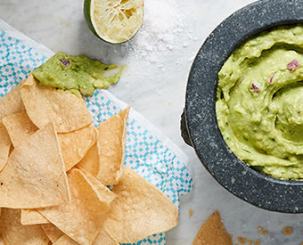 corn_chips_guacamole